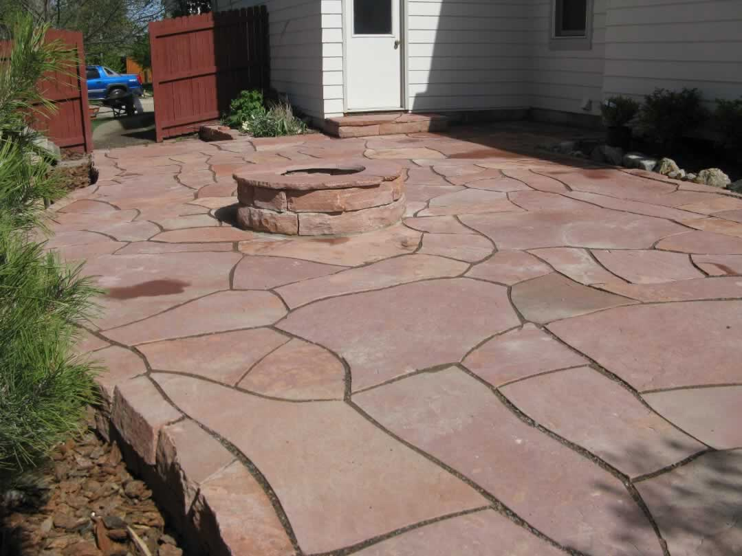 Green guys custom stone patios green guys for Pics of stone patios