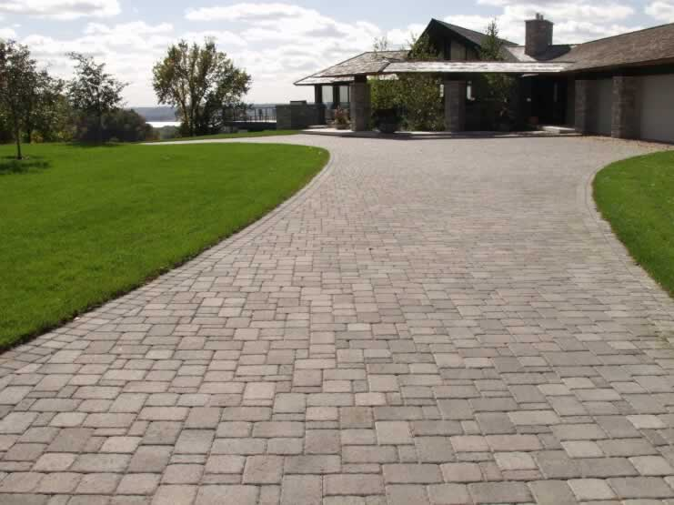 Green guys paver driveways green guys for Green pavers