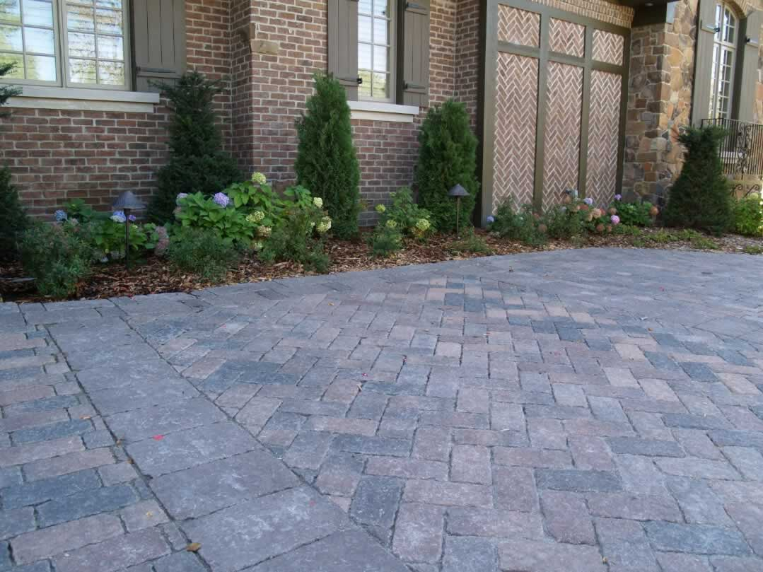 Paver driveways green guys for Green pavers